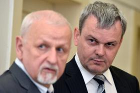 Vladislav Koval s advokátem Eduardem Brunou na fotografii z července 2015