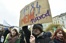 Demonstrace za svobodný internet na pražském Klárově