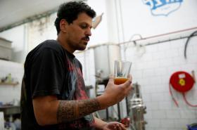 Ochutnávka piva podle prastaré receptury v pivovaru Herzl