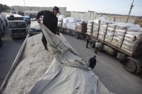 Náklad na hraničním přechodu Kerem Šalom