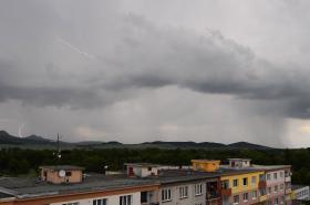 Bouřka nad Českým středohořím