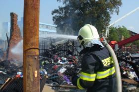 Požár skladu v Olomouci