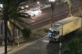 Kamion, který najel do lidí ve francouzském Nice