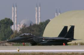 Americký letoun F-15 na Incirliku (únor 1999)