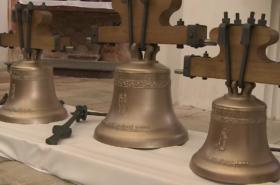 Tři nové zvony v kostele na Zelené Hoře