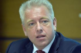 Ministr vnitra Milan Chovanec vystoupil 4. srpna v Praze na tiskové konferenci