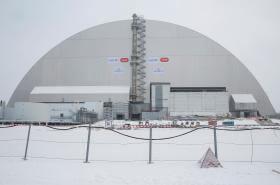 Nový kryt havarovaného reaktoru v Černobylu