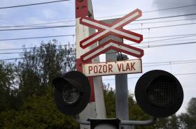 Loni zemřelo na železničních přejezdech čtyřicet pět lidí