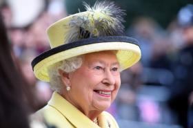 Alžběta II. na prosincové návštěvě Goodenough College