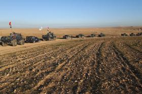 Irácké síly míří k západní části Mosulu.