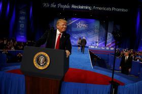 Donald Trump na konferenci konzervativců