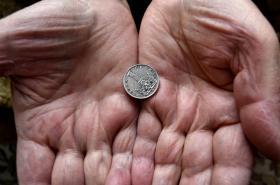 V Česku je chudobou ohroženo mnohem více seniorek než seniorů