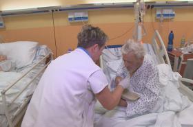 Zdravotní sestra v Chebu