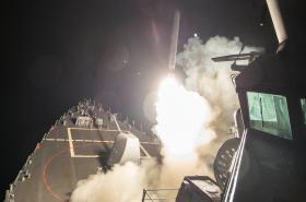 Americká válečná loď, ze které USA útočily