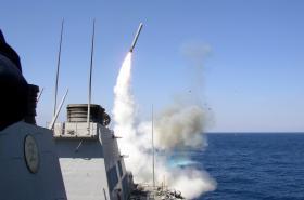 Američané vyslali na syrskou leteckou základnu 59 střel Tomahawk