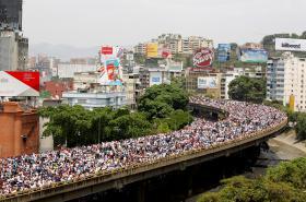 Protivládní demonstrace v Caracasu