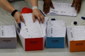Sčítání hlasů v britských volbách do Dolní sněmovny