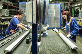 Liberecký výrobce plastových dílů pro automobily Magna Exteriors (Bohemia)