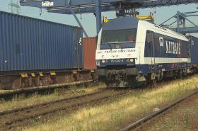 Vlak vyráží směr Čína.