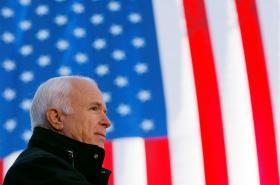 John McCain na snímku z roku 2008
