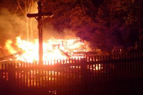 Kostel v Třinci lehl popelem