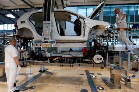 Výroba elektromobilu v drážďanské továrně Volkswagenu