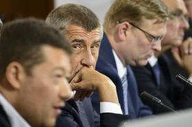 Andrej Babiš a další předsedové stran