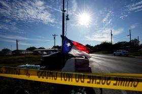 Vlajka Texasu na místě útoku