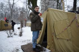 Michail Saakašvili v provizorním táboře v centru Kyjeva