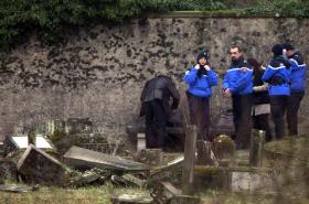 Vyšetřování zničení židovského hřbitova v roce 2015