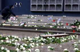 Památník dvanácti obětem teroristického útoku na vánočních trzích v Berlíně v prosinci 2016 na náměstí Breitscheidplatz