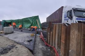 Opravovaný úsek u Velkého Meziříčí (situace 20. prosince 2017)