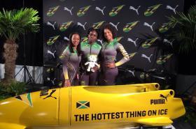 Jamajské bobistky nastoupí na OH v kombinézách od zlínské designérky