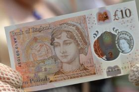 Desetilibrová bankovka s Jane Austenovou