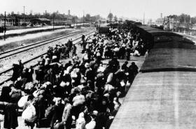 Transport do koncentračního tábora v Osvětimi