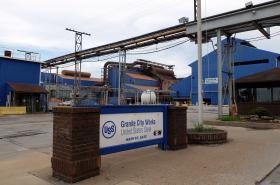 Vstup do provozu U.S. Steel.