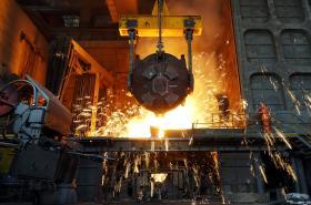 Pohled do čínské ocelárny.