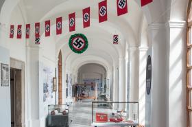 Z výstavy Univerzity Karlovy