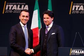 Luigi di Maio a Giuseppe Conte