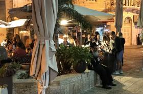 Jeden z ortodoxních židů v Ben Jehudově ulici v Jeruzalémě