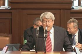 Předseda KSČM Vojtěch Filip v poslanecké sněmovně