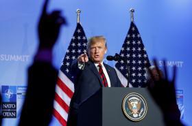 Donald Trump na brífinku po summitu NATO v Bruselu