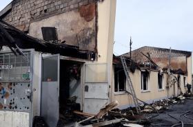 Vyhořelá ubytovna v Plzni-Karlově