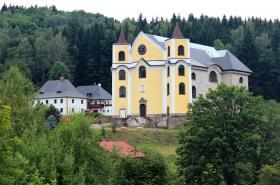 Poutní kostel Nanebevzetí Panny Marie v Neratově