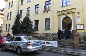 Policie prošetřuje podezření z ovlivňování voleb