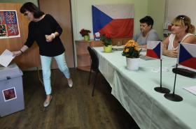 Volební místnost v Březiněvsi