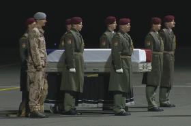 Návrat padlého vojáka Tomáše Procházky do vlasti