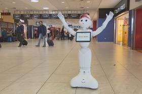 Robot na pražském letišti