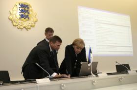 Estonci ukazují elektronizaci státní správy kancléřce Merkelové