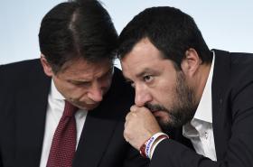 Italský premiér Giuseppe Conte a vicepremiér Matteo Salvini